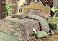 Стильное покрывало создаст атмосферу уюта в Вашем доме